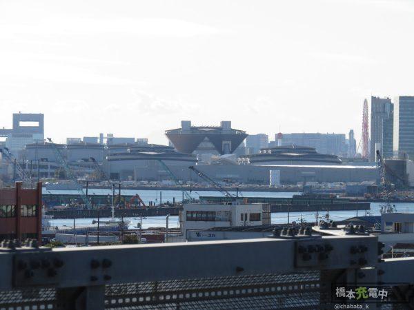 コミックマーケット93 設営日 東京ビッグサイト遠景(新木場駅から)